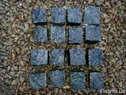 Бруківка гранітна колото-пиляна