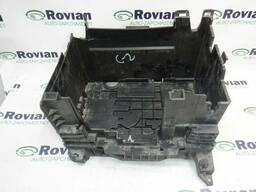 Б/У Держатель АКБ Renault CLIO 3 2005-2012 (Рено Клио 3). ..