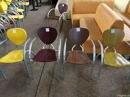 Бу стулья с подлокотниками для летней площадки. Распродажа!
