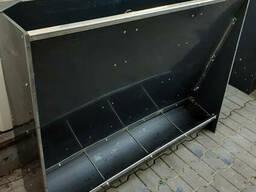 Бункерна кормушка на 4 секції для свиней