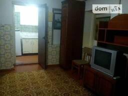 Часть дома состоит из кухни и жилой комнаты. № 1325233