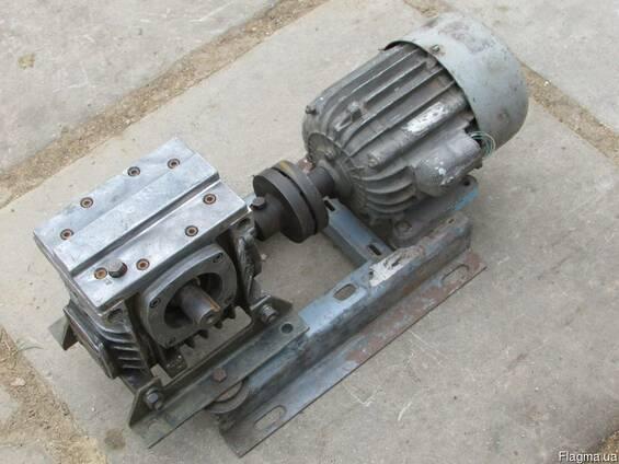Червячный мотор-редуктор 2Ч-63-80-51 сборе,СССР,на трубогиб.
