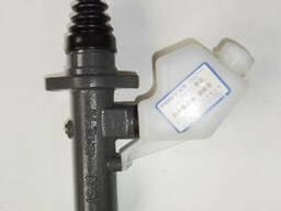 Цилиндр сцепления с бачком WG9719230013 на Howo,Faton.