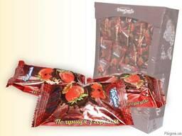 Цукерки Полуниця з горіхом в шоколаді 1. 5кг