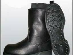Цвяхові чоботи з гумовою підошвою