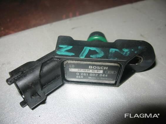 Датчик вакуумный давления Мапсенсор Opel 93190052 Combo. ..
