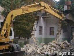 Демонтаж ветхих строений.