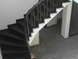 Деревянные лестницы на заказ - фото 3