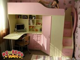 Детская кровать-чердак с рабочей зоной, угловым шкафом, тумб