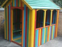 Детский игровой домик для детской площадки, из дерева.
