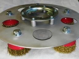 Диск со щетками для дисковых шлифовальных машин.