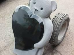 Дитячий пам'ятник з граніту
