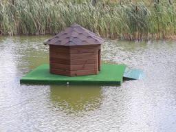 Домик для уток плавающий