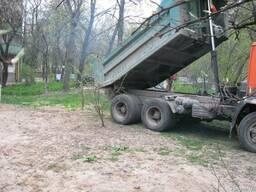 Доставка чернозема 5, 10, 30 тонн. Купить чернозем в Киеве.