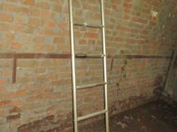 Драбина алюмінієва довжиною 2, 2- 3, 6 - 4, 4 м з труби 35х3 мм