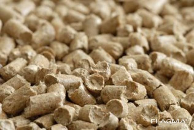 Древесные пеллеты гранулы для котла на гранулах.