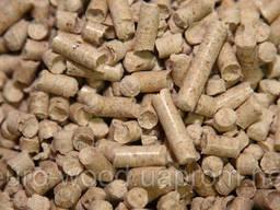 Древесные пеллеты (гранулы) или отходы линии производства завода.