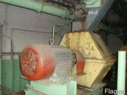 Продам зернодробилку ДДМ-5