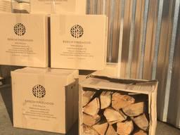 Дрова колотые в картонных коробках