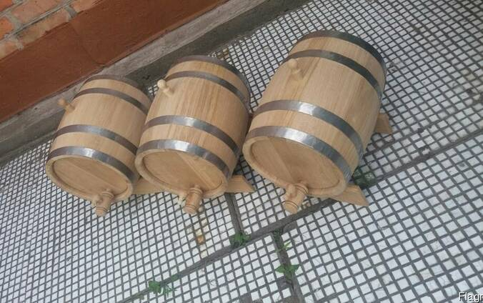 Дубовые бочки от 3-х литров.