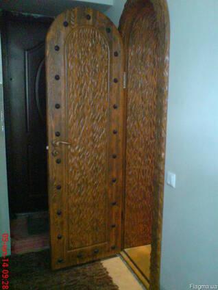Дверь арочная деревянная резная