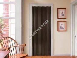 Дверь-гармошка Plaza 88x203 черно-коричневое дерево (венге)