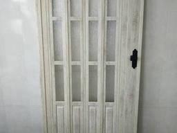 Дверь гармошка полуостекленная 860х2030х12мм дуб беленый. ..