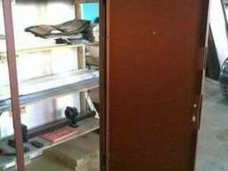 Дверь металлическая. Заготовки для производства дверей.