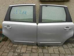 Дверь задняя левая комплектная Nissan Note (E11) 05-08.
