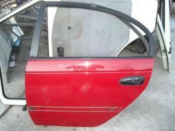 Дверь задняя левая Toyota Avensis (1998-2003)