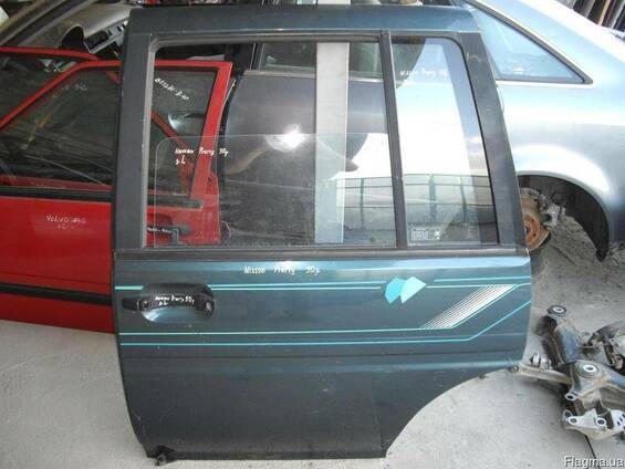 Дверь задняя/передняя Nissan Prairie M11