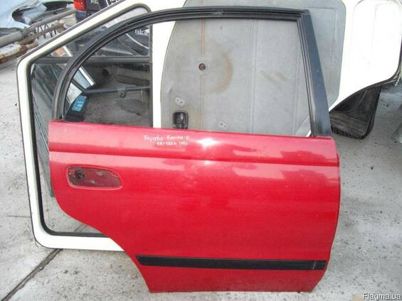Дверь задняя правая Toyota Carina E(1992-1996)