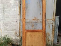 Двери деревянне