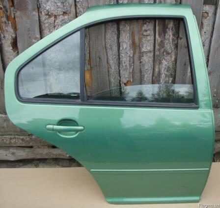 Двери левые правые передние задние VW Bora 99-04