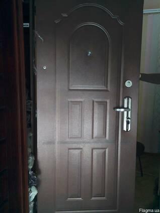 Двери металлические. 960 мм. качество до 2008 года.
