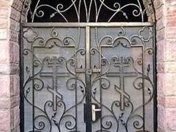 Двери металлические с кованными элементами