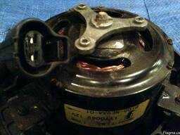 Двигатель вентилятора 25386-2Y500 на Hyundai IX 35 10-