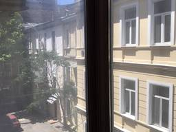 Двухкомнатная квартира 112 кв. м. на ул. Ришельевской