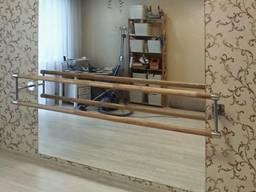 Дзеркало та балетний станок з встановленням