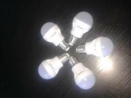 Экономные светодиодные лампы.