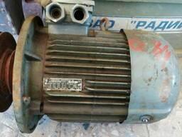 Эл. двигатель 2-х скоростной 4АМ112МА8/4У3, с хранения.