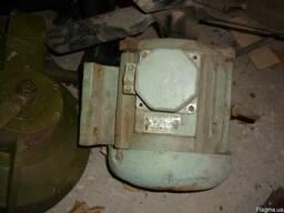 Электродвигатели ТО-32-6, асинхронные 1.1квт. 916об\мин.