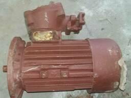 Электродвигатель взрывозащищенный фл. 2В90L4 2. 2кВт 1500об.