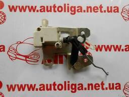 Электропривод (моторчик) замка багажника Touareg 7L6827425