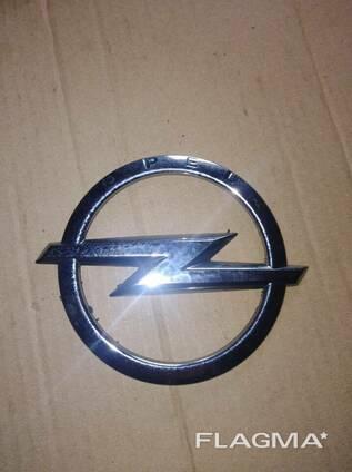 Эмблема значок Opel Astra J Sport Tourer 13331293