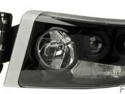 Фара основного света левая Renault Premium 05r- (черная с г