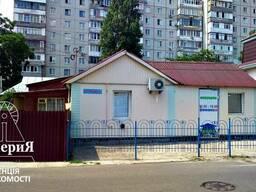 Фасадная часть дома на Логинова возле Сельпо.
