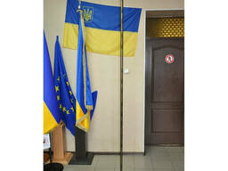 Флагштоки напольные Кабинетная подставка для флага напольная с древком и пикой темная