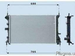 Форд Фокус 2000. 2.0 - Радиатор охлаждения двигателя .