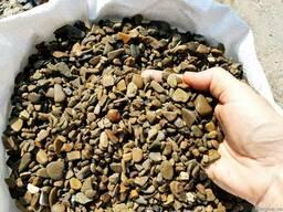 Галька речная 4-8 мм коричневая